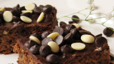 Sugarfree Chocolate Carrot Sheet Cake
