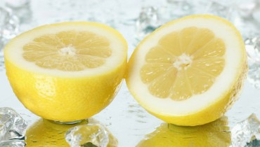 10 Reasons why you need to drink hot water with lemon