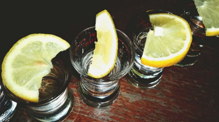 Why You Should Never Put a Lemon Wedge in Your Drink