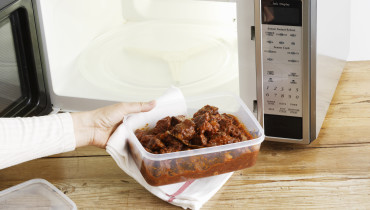 Foods You Shouldn't Reheat in a Microwave